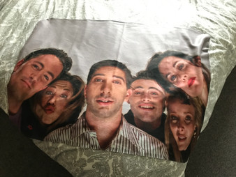 Friends KiSS Blanket - Fans - TV Show Cast - Rachel Ross Monica Phoebe Joey Chandler