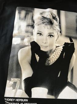 Audrey Hepburn 1961 KiSS T-Shirt - 60s Movie - Hollywood Actress Vintage - Breakfast