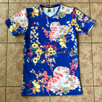 Romeo KiSS V Neck Cut & Sew T-Shirt - Japanese Flowers Floral - Leonardo DiCaprio Juliet Movie - 90s Gift for Her or Him