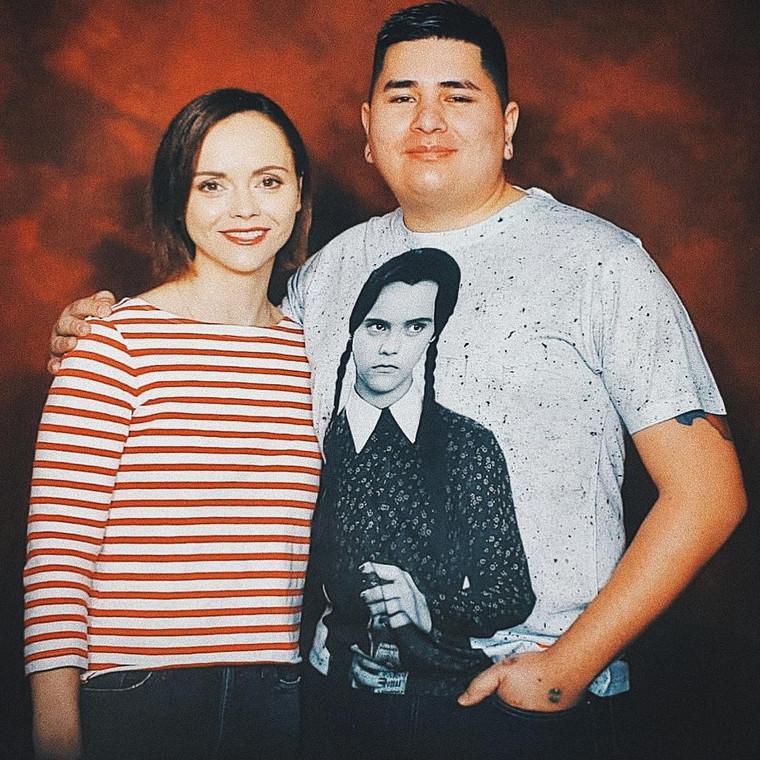 Wednesday KiSS All Over T-Shirt - Addams Family, Christina Ricci - Horror Halloween - Gift Idea Film