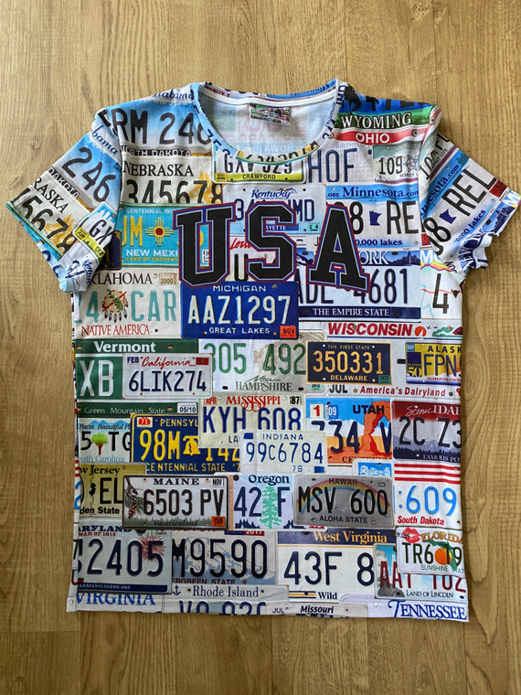 USA States KiSS All Over T-Shirt - America - American License Licence Plates - NYC LA Texas Chicago - Travel