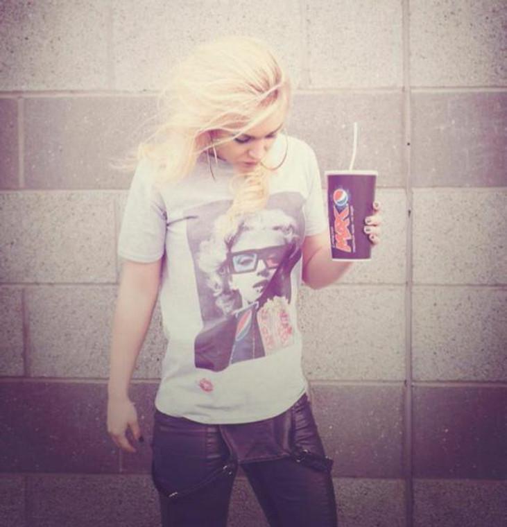Marilyn Monroe Movies KiSS T-Shirt - 3D Glasses Pepsi cinema - Hollywood films - Gift Idea