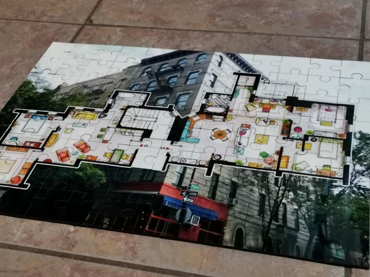 Friends Apartments KiSS Jigsaw Puzzle - Blueprint - TV Show - The One Where - Chandler, Rachel, Ross, Joey, Phoebe & Monica