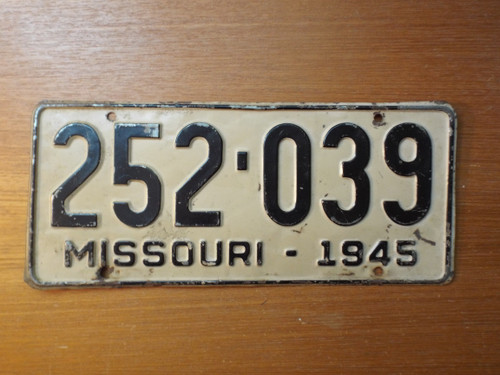 Missouri 1945 License Plate