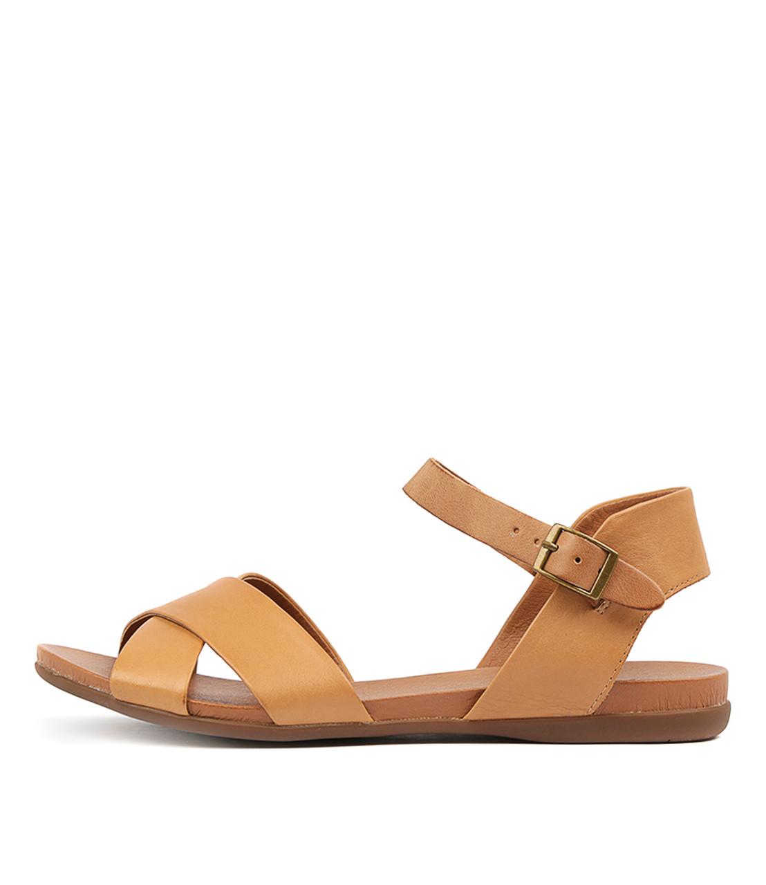 BROSS Sandals Tan Dark Tan Leather Django and Juliette