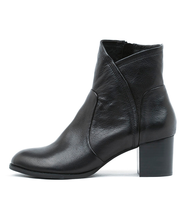 SLACK Heeled Boots in Black Leather