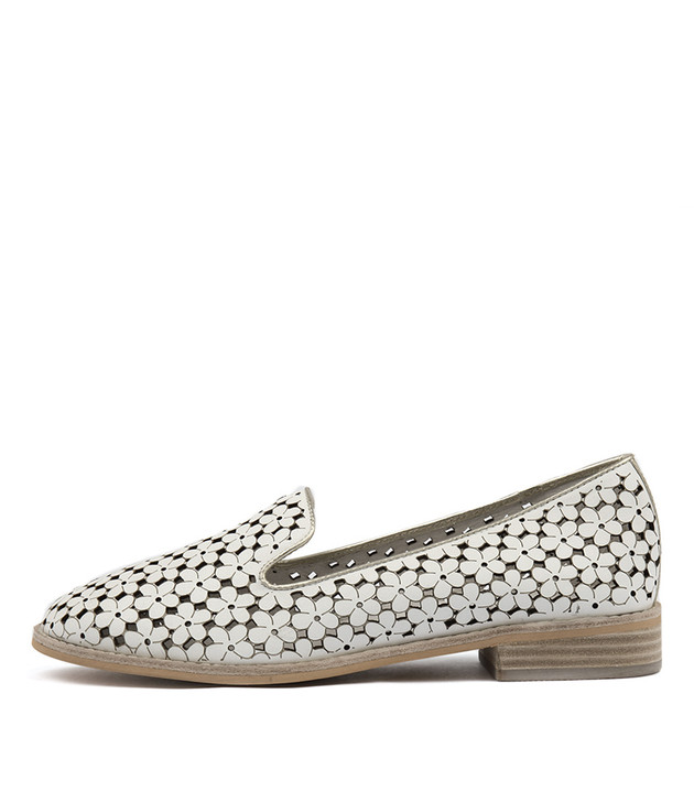 ARNOLD Flats White Pale Gold Punched