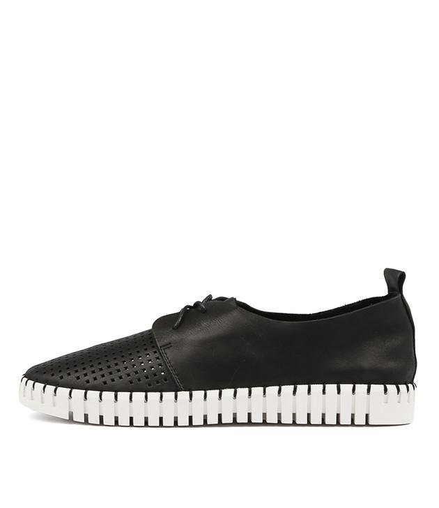 HUSTON Flats Black Leather