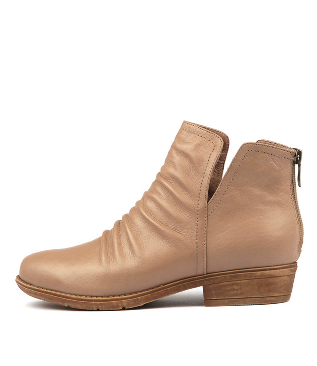 ROSTIE Boots Light Taupe Leather