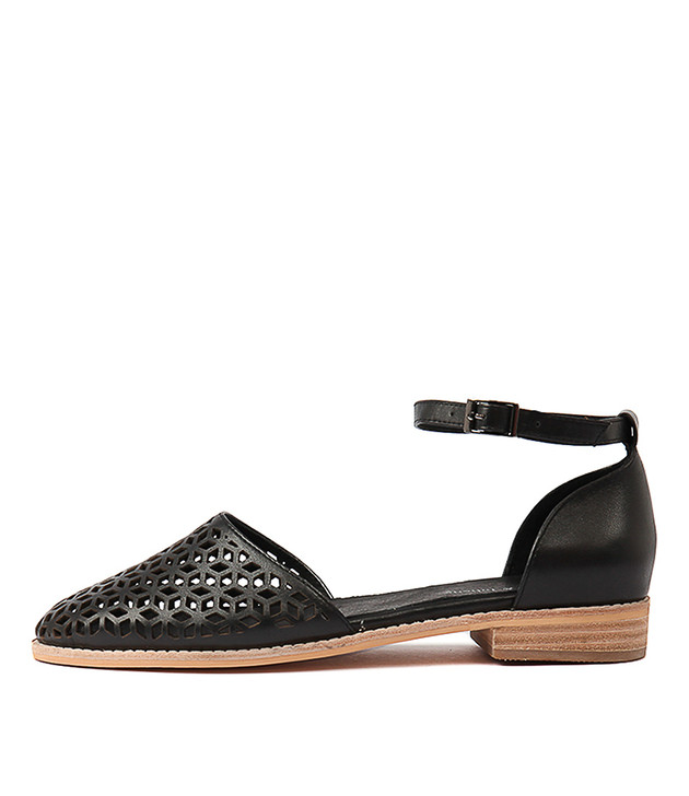 ARVIL Flats in Black Leather