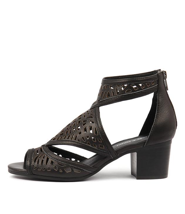 BEREOTO Sandals Black Leather