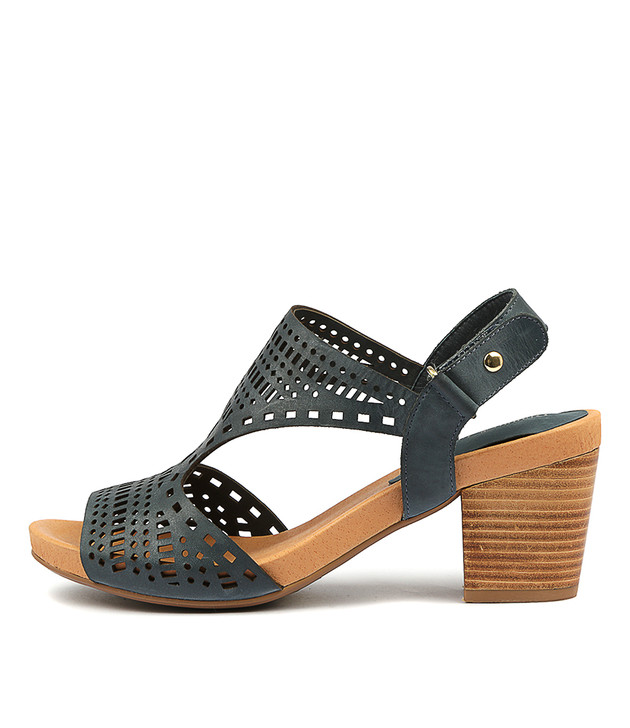 ZOLLIE Sandals Navy Leather