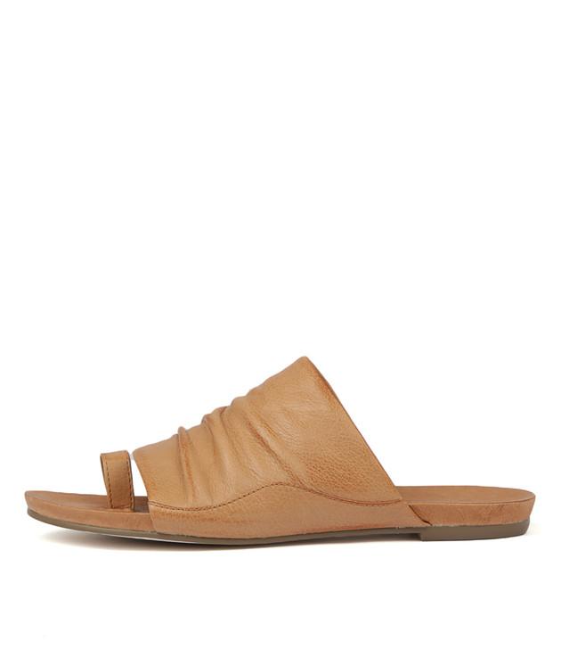 JAVAN Sandals in Tan Leather