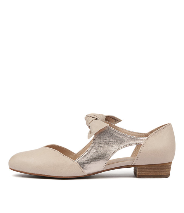 ESETE Flats in Nude/ Rose Gold Leather