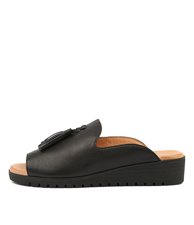 MAYSON Flatform Sandals in Black Leather/ Black Sole
