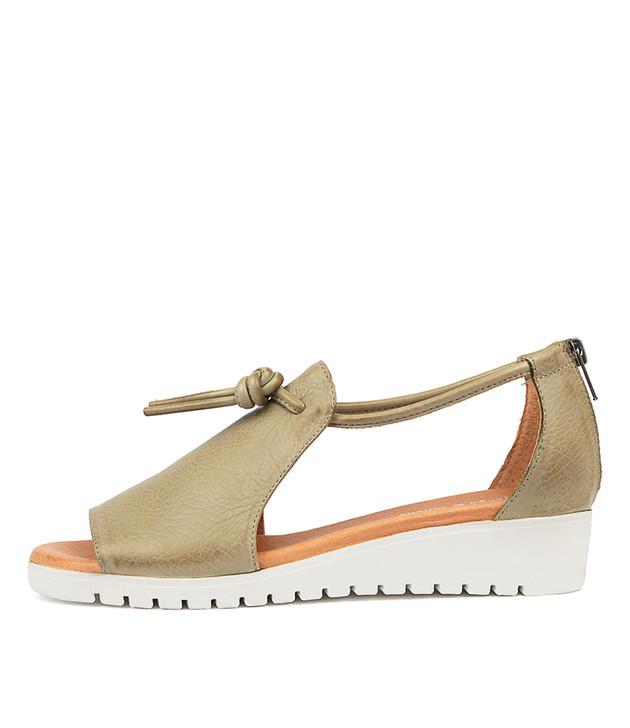 MELVIN Flatform Sandals in Khaki Leather