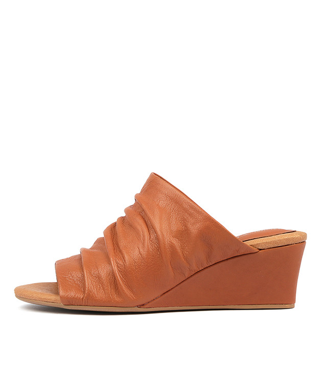 LORENA Wedge Sandals in Tan Leather