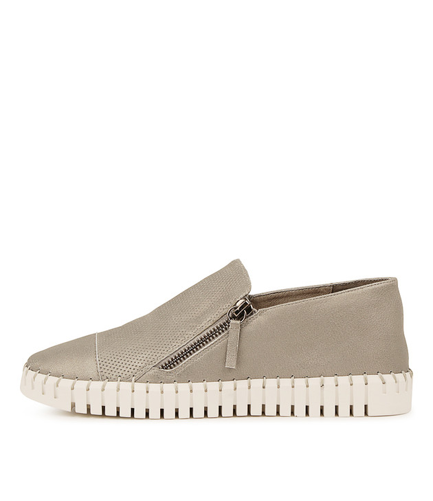 HUNG Flats in Light Pewter Leather
