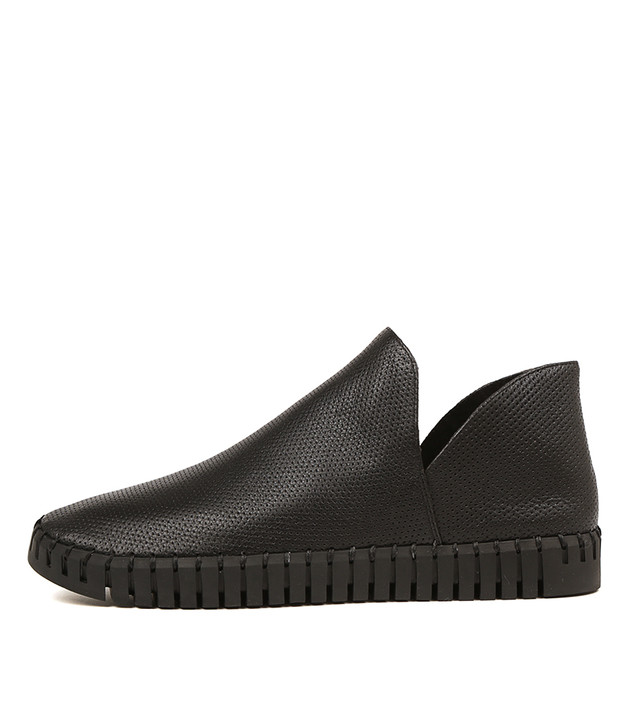 HILDRED Flats in Black Leather