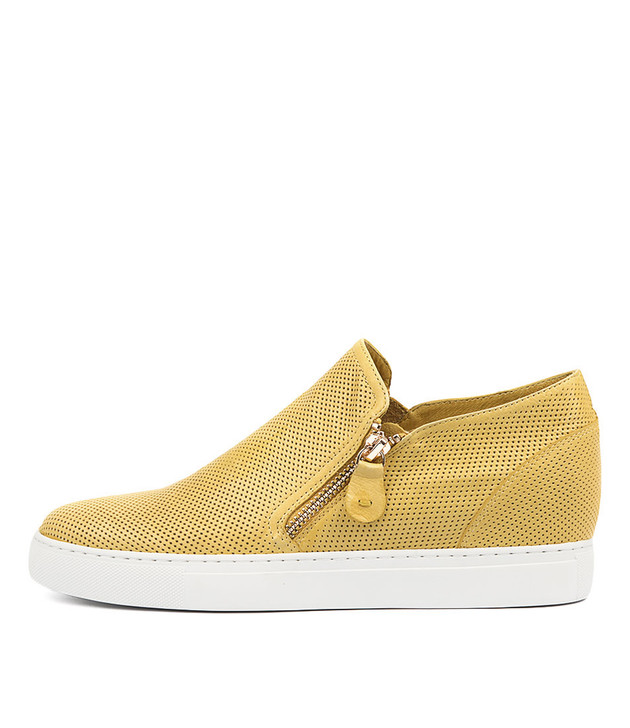 GUSTAVA Sneakers in Yellow Leather
