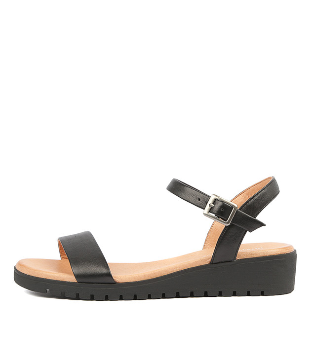 MARYLEE Sandals in Black Leather