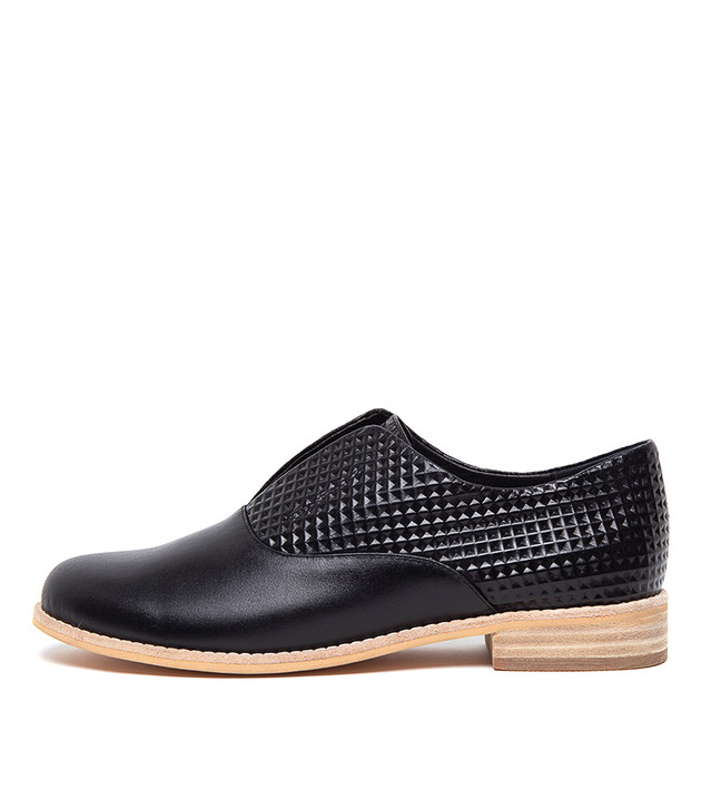 ADAN Flats Flats Black Leather