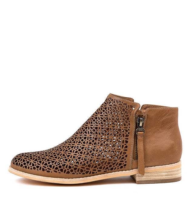 ARLENAS Boots Boots Tan Leather