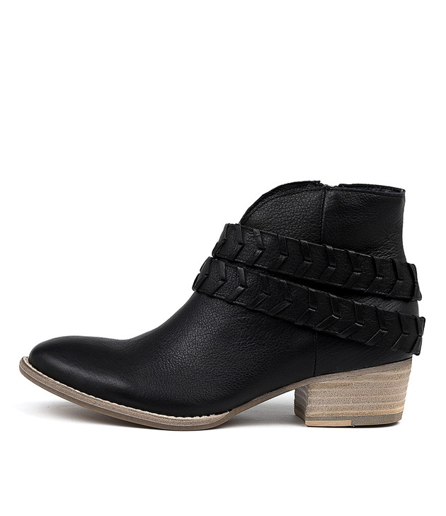 LILLA Ankle Boots in Black Leather