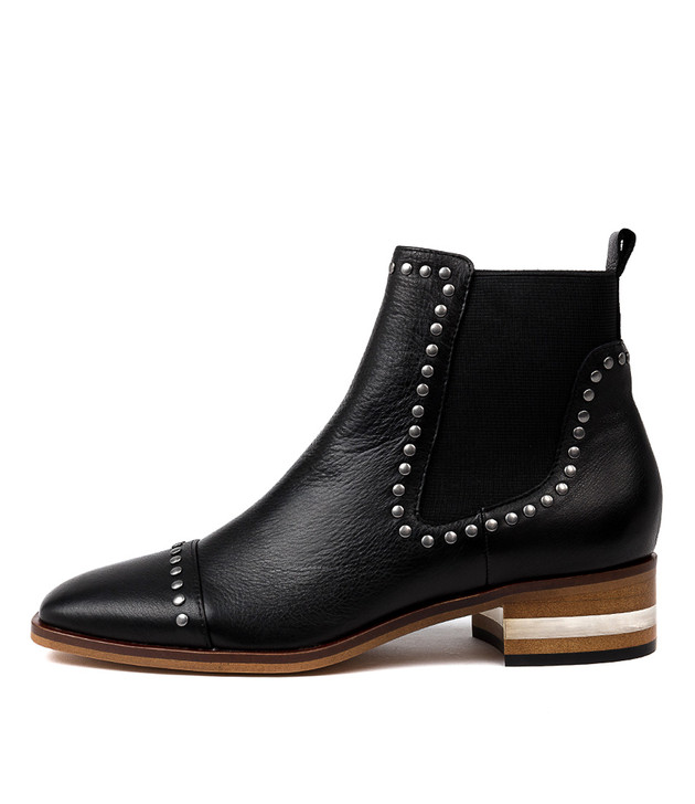 FERRAS Ankle Boots in Black Leather