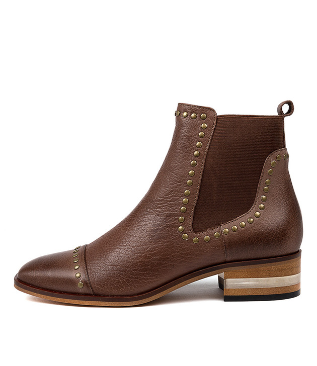 FERRAS Ankle Boots in Brandy Leather