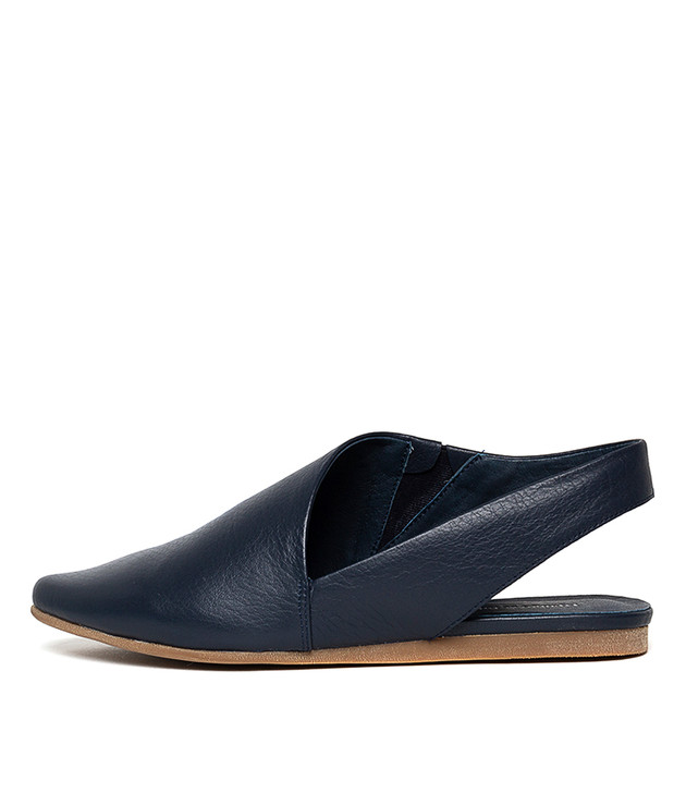 CODIE Flats in Navy Leather