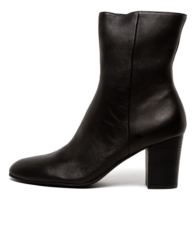 LILITH  Black Leather