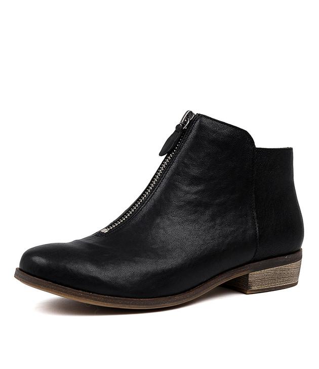 SIBYL  Black Leather