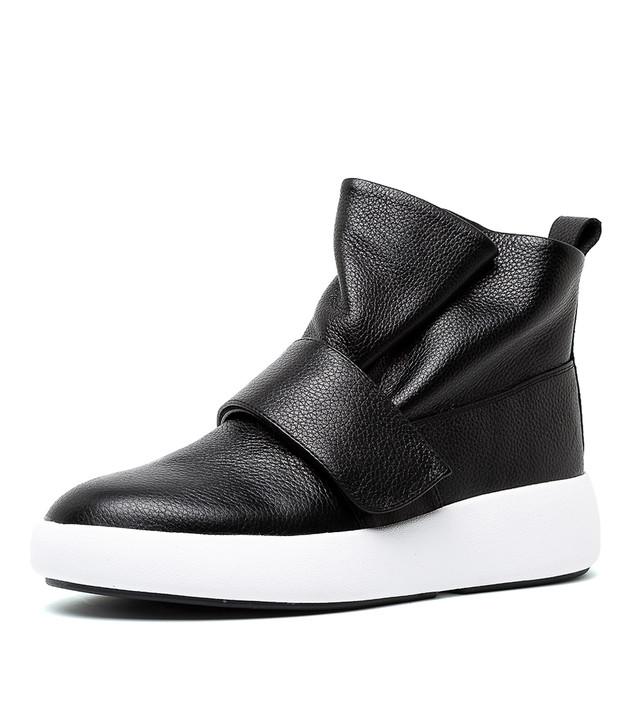 THIAGO  Black Leather