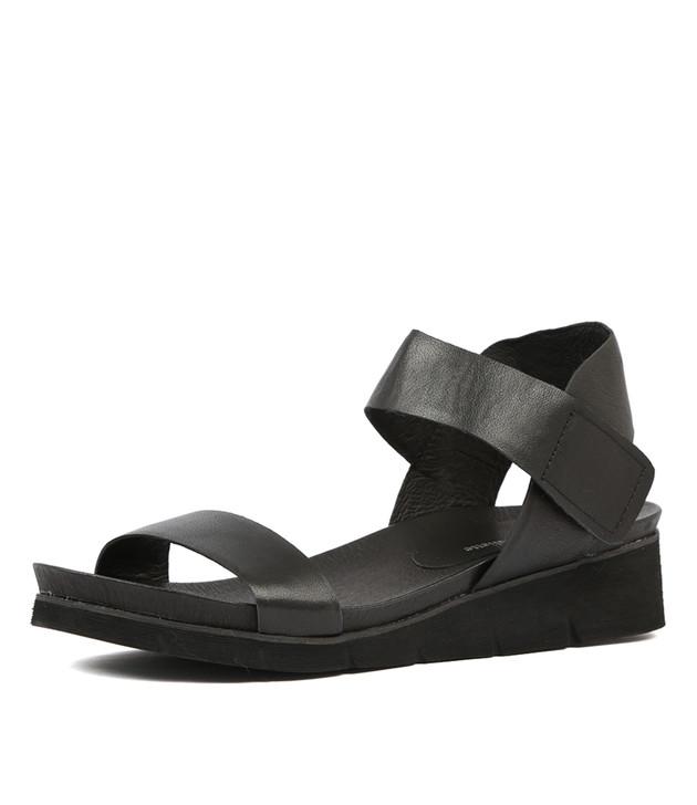 LIRROR Black leather