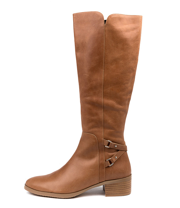 THISBE in Tan Leather