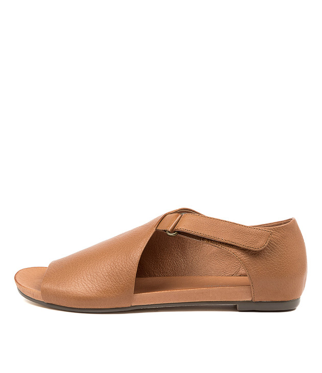 JAKOB  Dark Tan Leather
