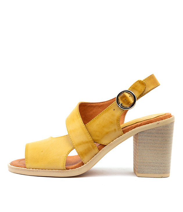 TAVARIS Yellow Leather