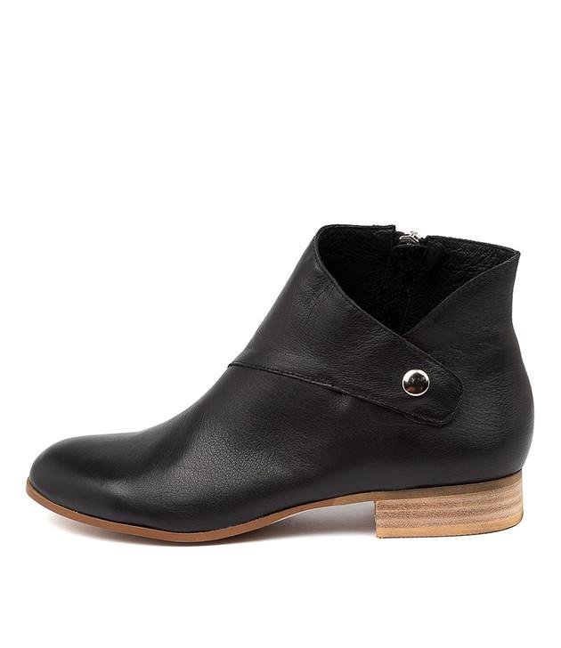 FRANTICS Black Leather