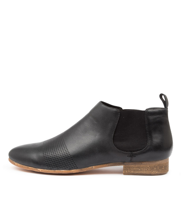 ROSCOE Black Leather
