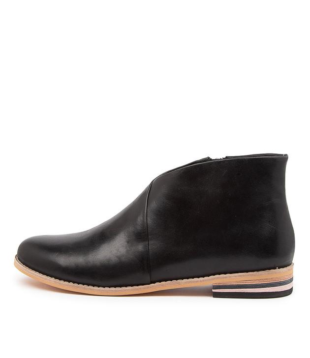 ANTARIN Black Leather