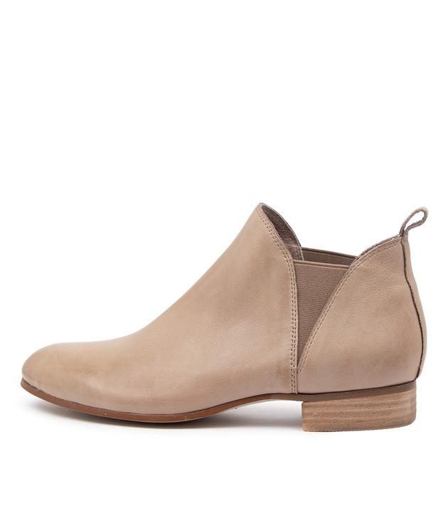 FOE Ash Leather