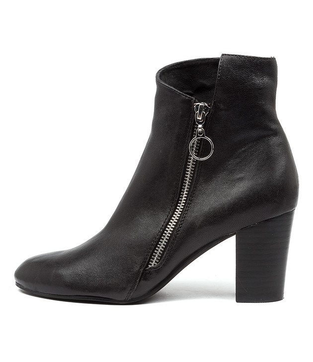 LOCHAP Black Leather