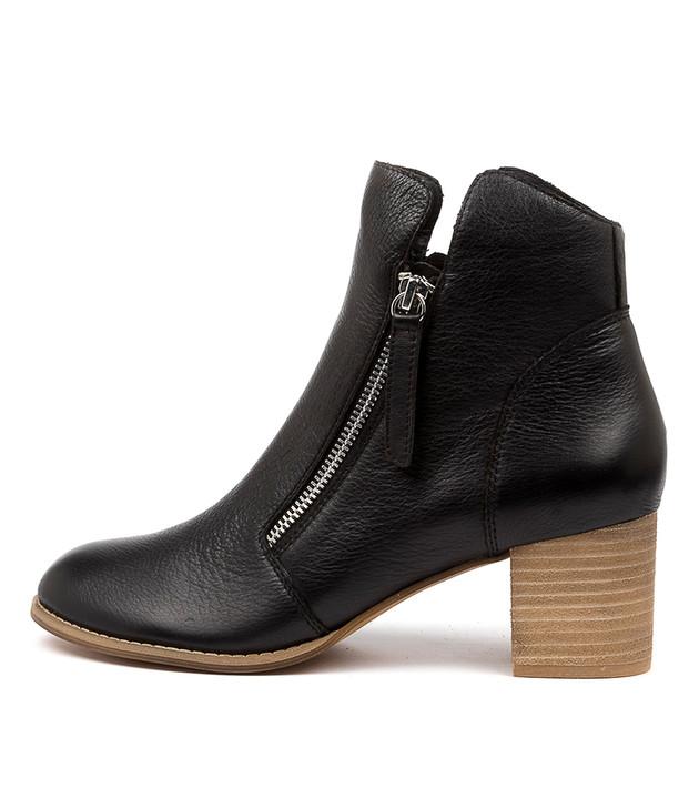 SOPHIE Black Leather
