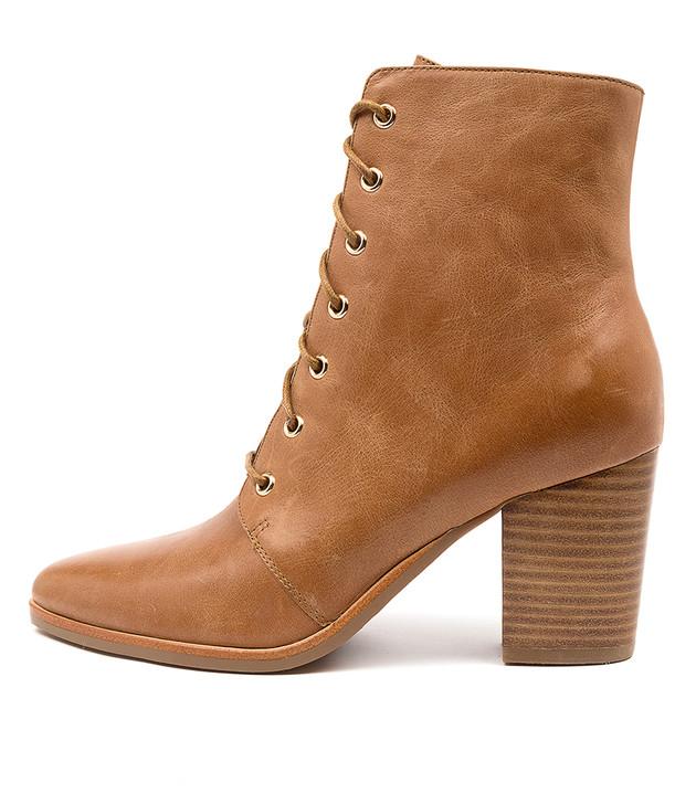 TYPO Tan Leather