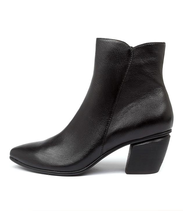 JAGGY Black Heel Leather