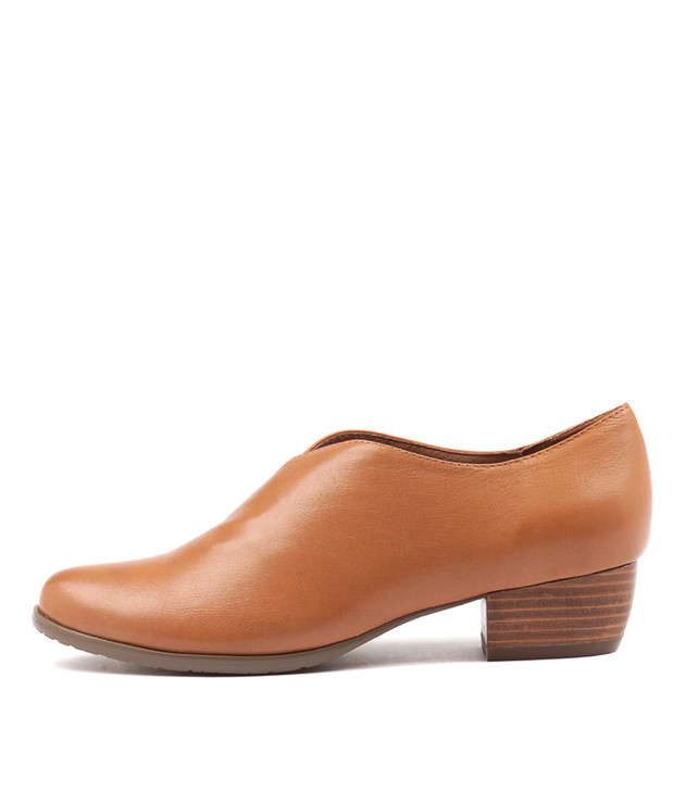 TRACKM Dk Tan Leather