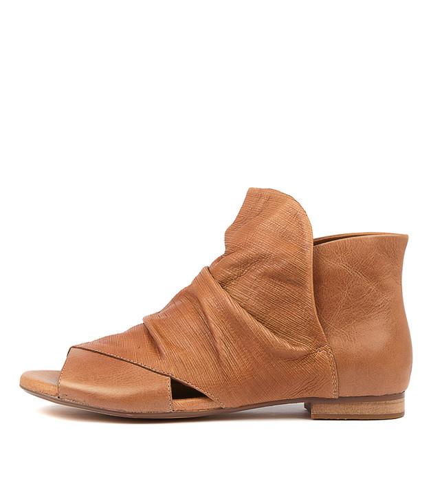 PARALEET Tan-Tan Leather