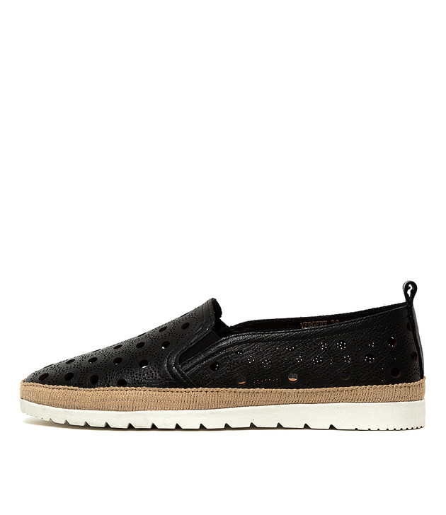 VERGERY Black Leather