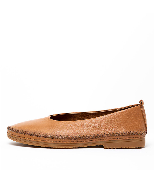 VICKERS Tan Leather